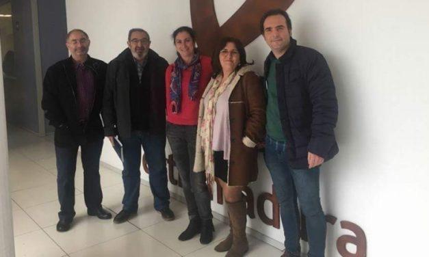 Jacinto Romero y Patro Sánchez llaman a la participación de la huelga del #8MYOPARO
