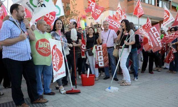 Desconvocada la huelga de limpieza de edificios y locales de Badajoz